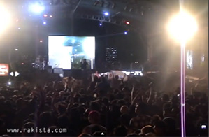 Live video of Slapshock during their performance at Rakrakan Series. 